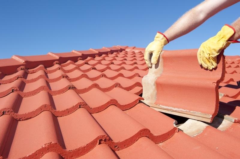 Réparer une fuite de toit