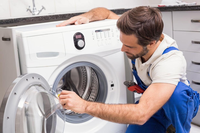 Le lave-linge fuit