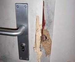 porte vandalisée ou forcée