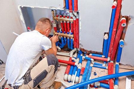 Artisan plombier Créteil: Notre technicien de quartier